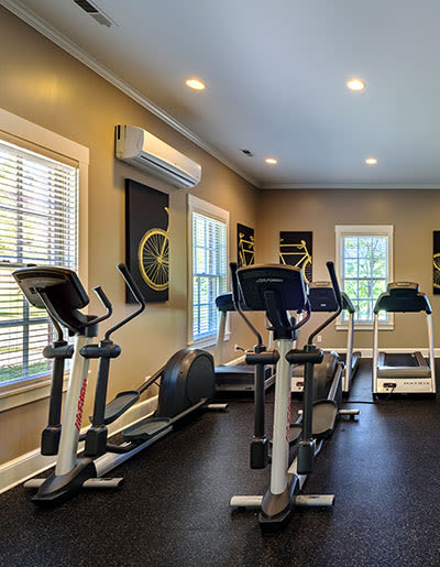 Fitness center at Christopher Wren Apartments in Wexford, PA