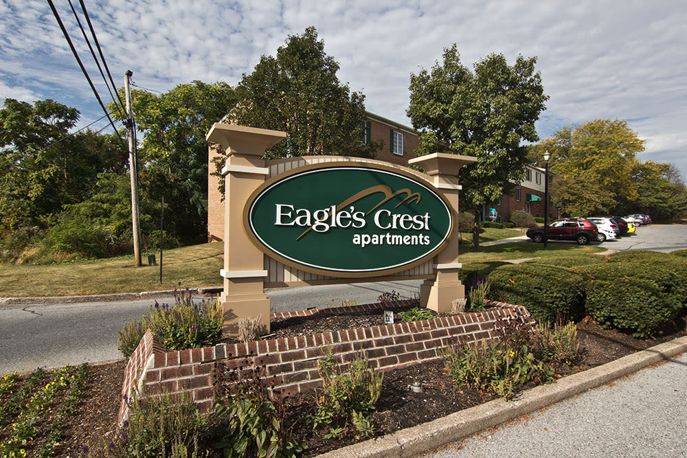 Apartment signage at Eagle's Crest Apartments in Harrisburg, PA