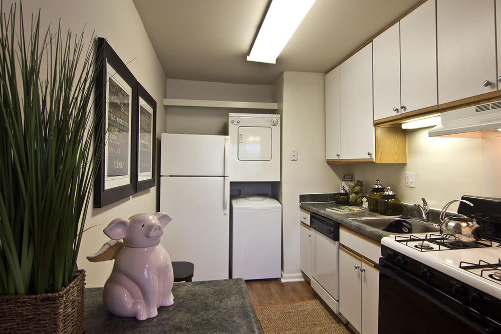 Enjoy a beautiful kitchen at Eagle's Crest Apartments