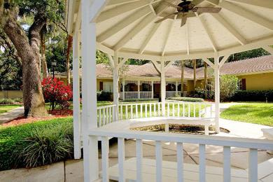 Pergola in our coutyards at Pacifica Senior Living Belleair
