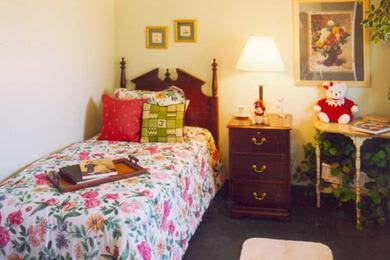 Gorgeous and quaint bedroom at Pacifica Senior Living Belleair in Clearwater