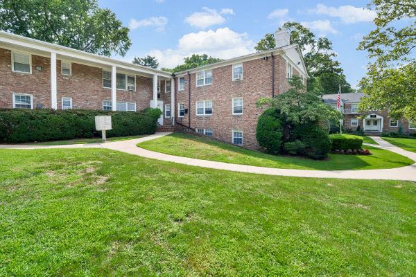 Amenities at Short Hills Village Apartment Homes