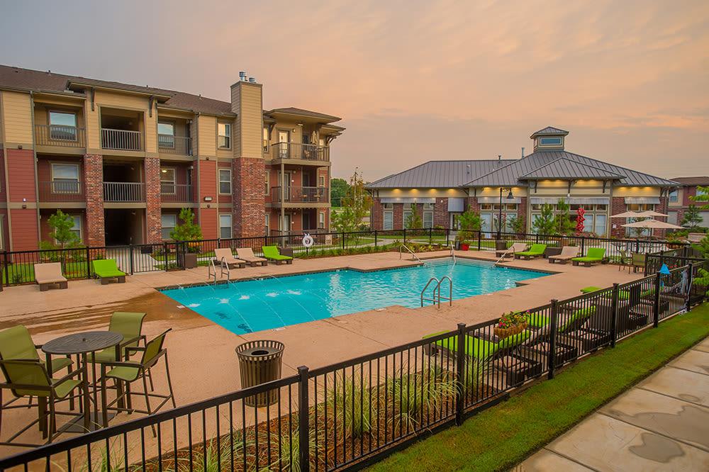 Pool at apartments in Hewitt