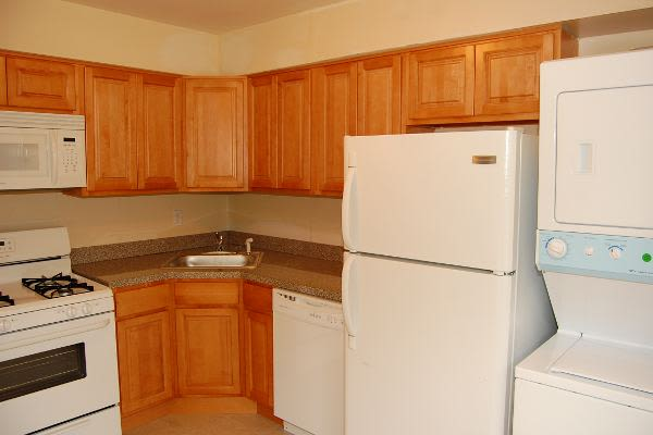 Spacious kitchen at Tanglewood Terrace Apartment Homes in Piscataway, NJ
