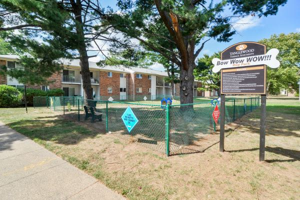 Beautiful dog park at Tanglewood Terrace Apartment Homes in Piscataway, NJ