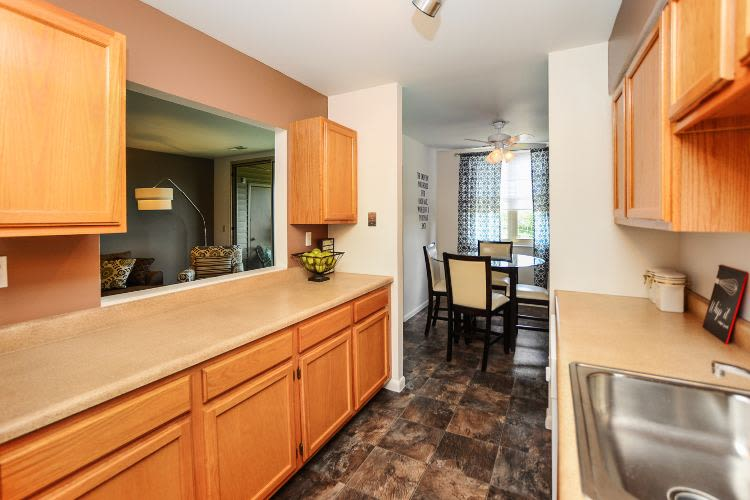 Kitchen at Summit Pointe Apartment Homes