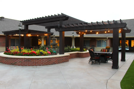 Patio area for residents at Waverly Inn