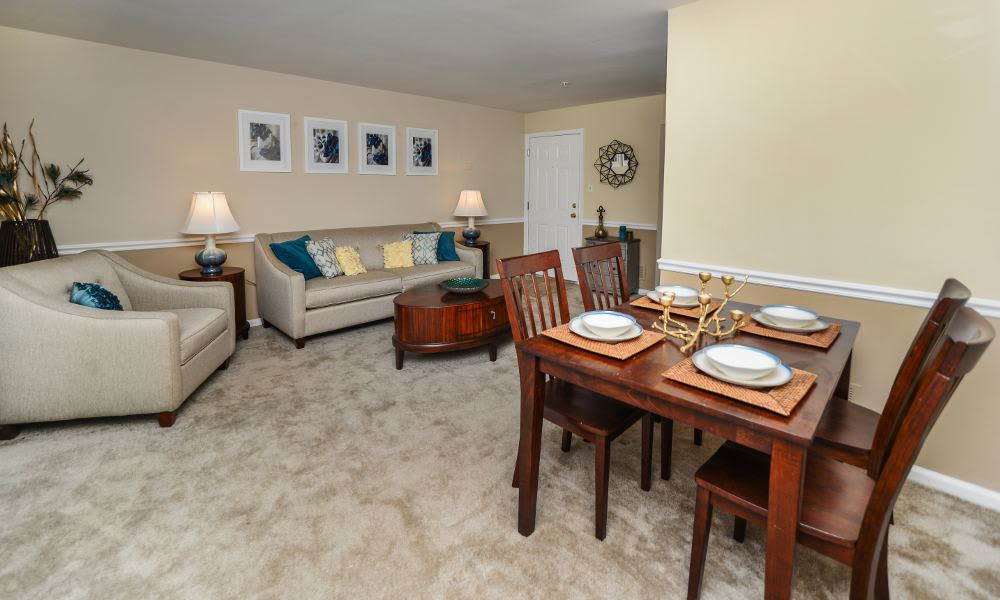 Spacious dining area at Fox Run Apartments & Townhomes in Bear, DE