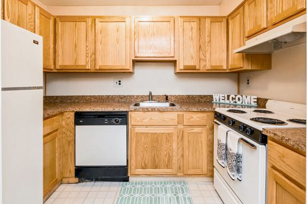Beautiful kitchen at Lincoln Park Apartments & Townhomes in West Lawn, PA