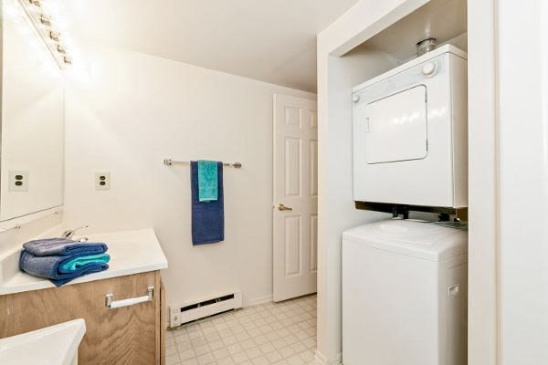 Washer/dryer at apartments in West Lawn, PA