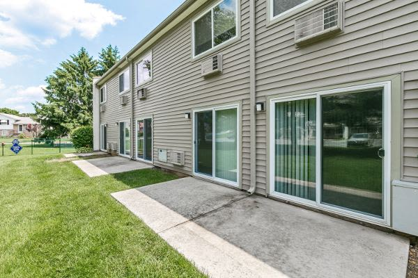 Spacious yards at Lincoln Park Apartments & Townhomes in West Lawn, PA