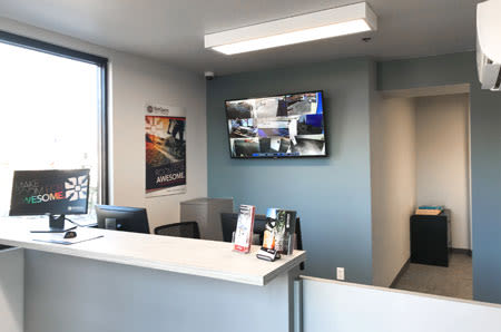 Interior leasing office of StorQuest Self Storage in {[location_city}}