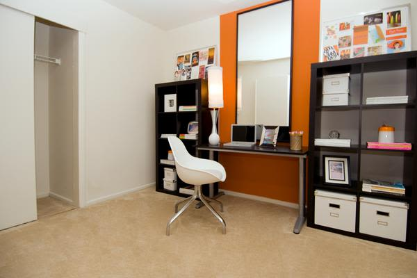 Newly updated apartments at Brookdale at Mark Center Apartment Homes in Alexandria, VA