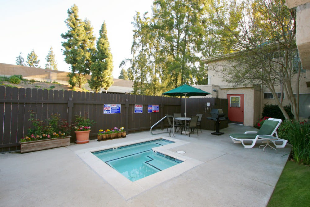 Outdoor spa at The Excelsior in Studio City, California