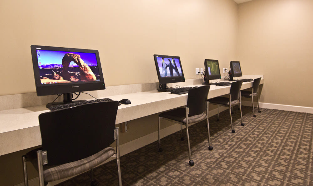 Computer lab at The Lakes at 8201 in Merrillville, Indiana