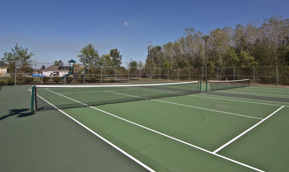 Tennis court at The Lakes at 8201 in Merrillville, IN