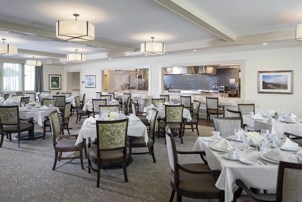 Dining at Mill Hill Residence in West Yarmouth, Massachusetts