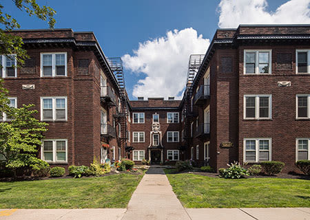 Arnold Court Apartments in Rochester