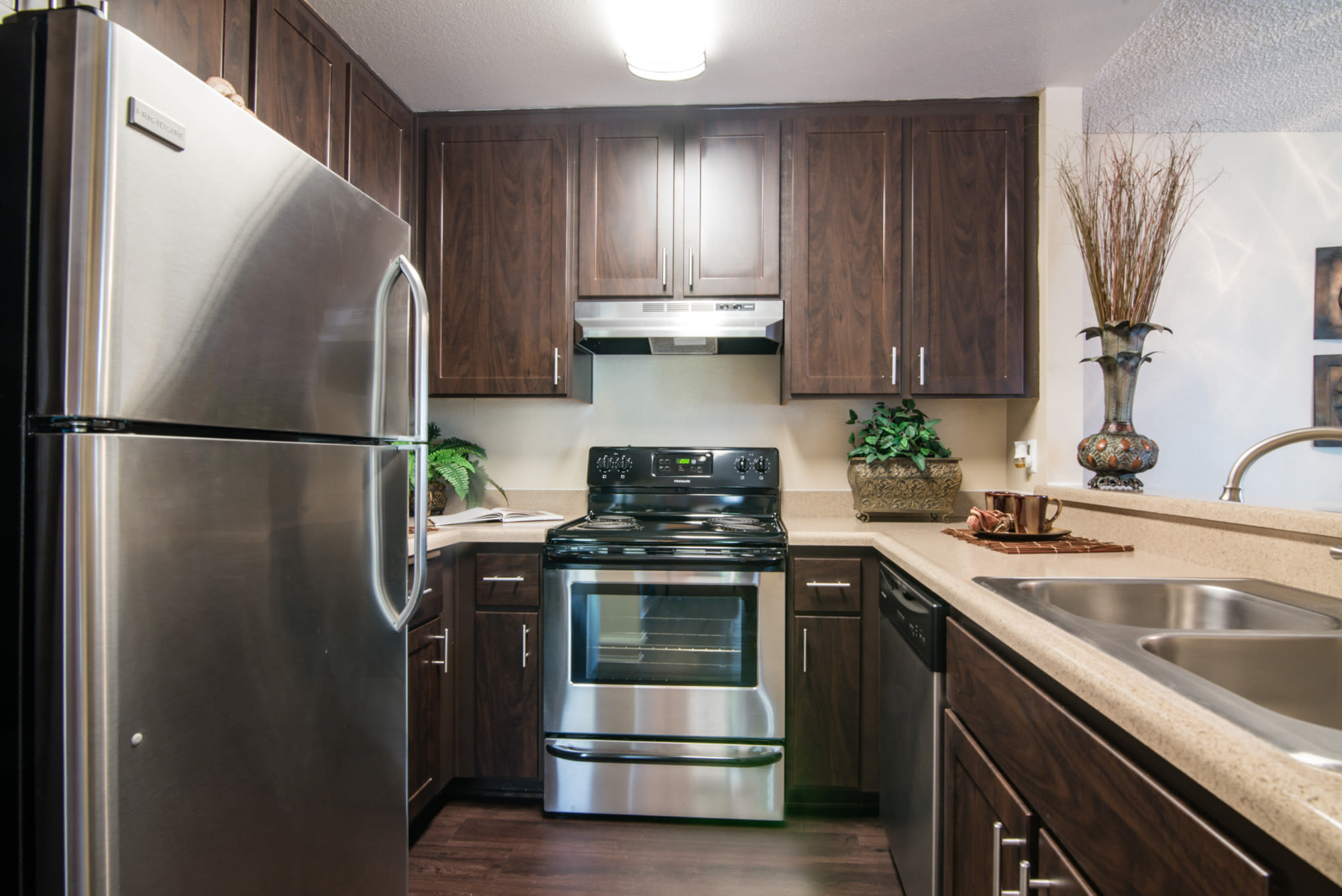 Apartment features at Lakeview Village Apartments in Spring Valley,