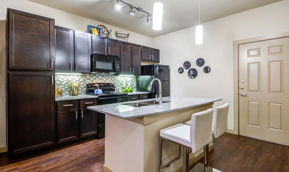 Modern kitchen at 4000 Hulen Urban Apartment Homes in Fort Worth, Texas