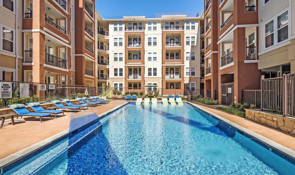 Swimming pool at 4000 Hulen Urban Apartment Homes in Fort Worth, TX