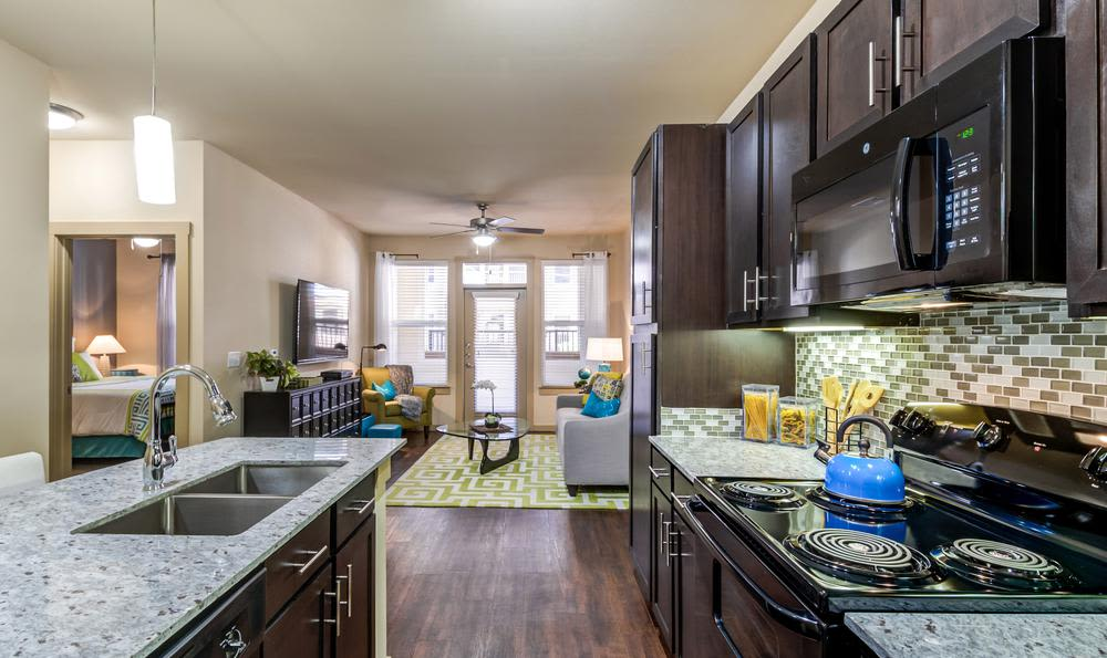 Beautiful kitchen at 4000 Hulen Urban Apartment Homes in Fort Worth, Texas