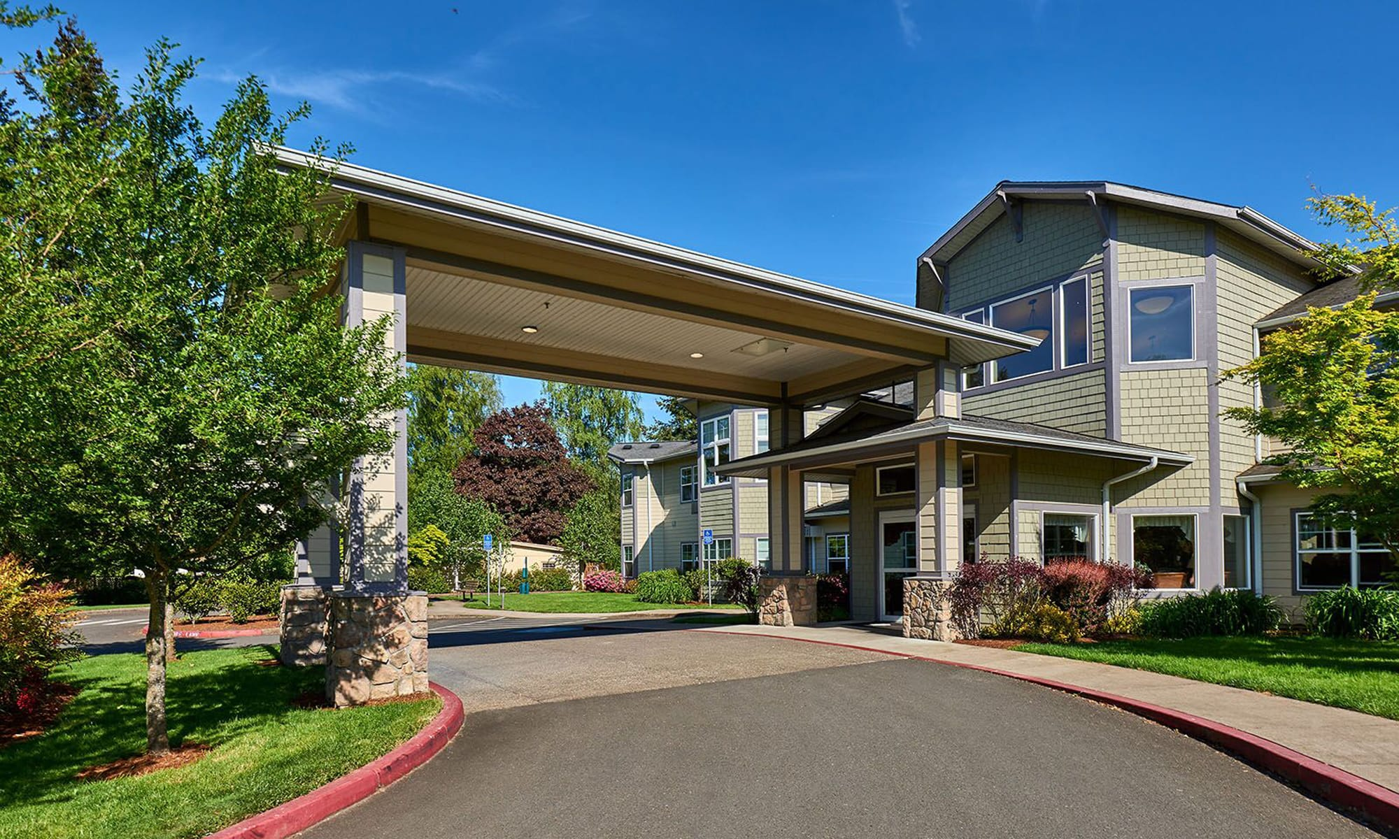 Senior living in Cottage Grove, OR   Middlefield Oaks Assisted Living and Memory Care