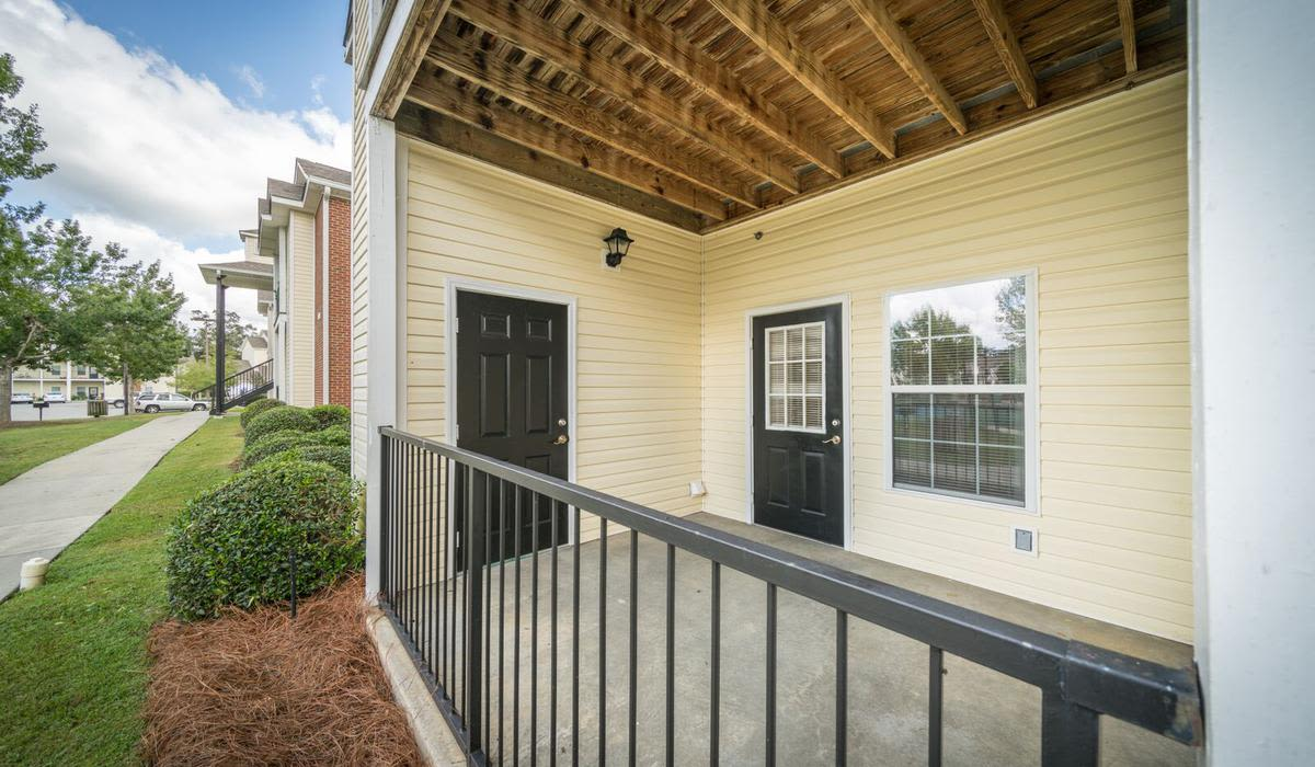 Private balcony at apartments in Valdosta, Georgia