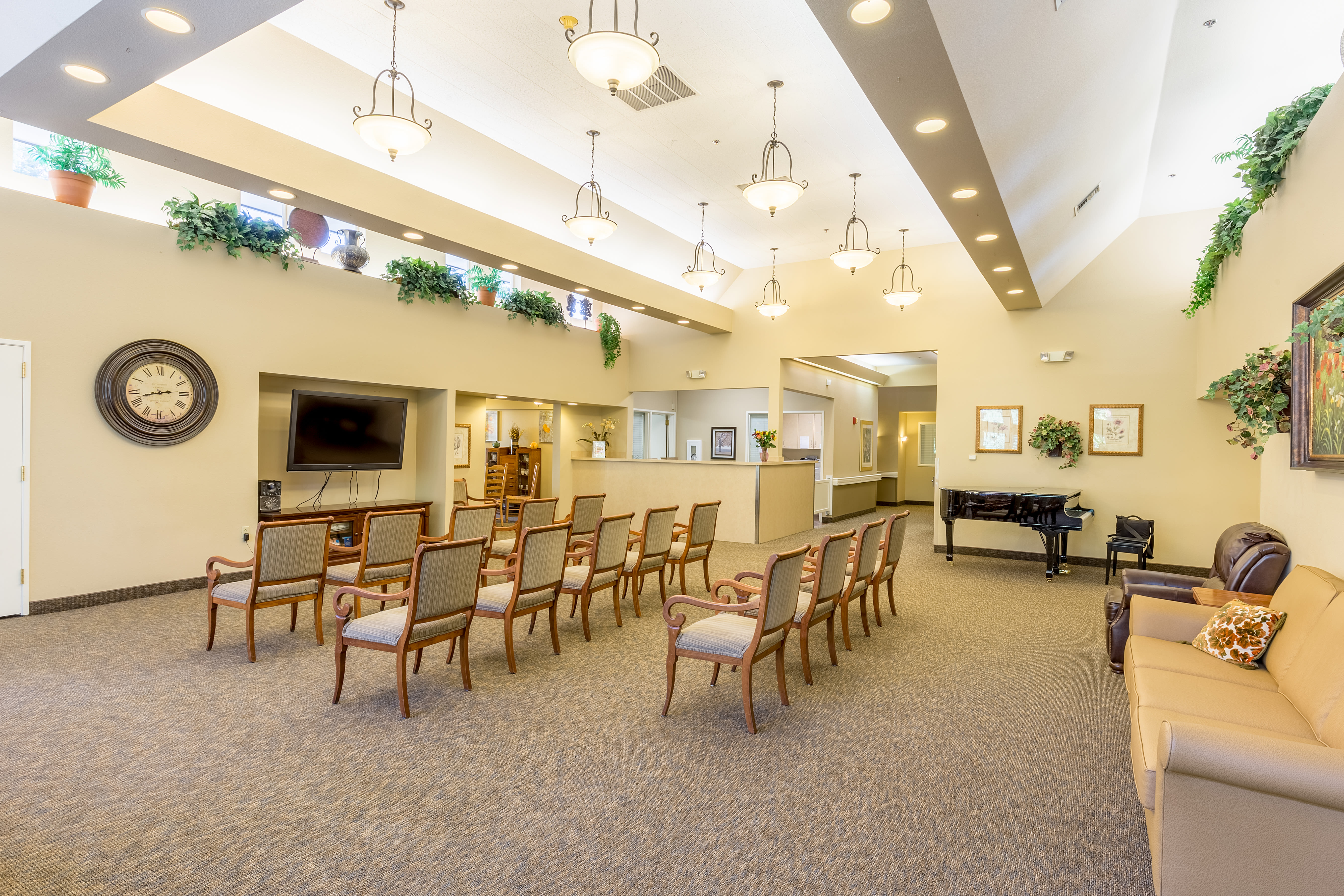 Pacific Gardens Alzheimer's Special Care Center offers a movie theatre in Portland, Oregon