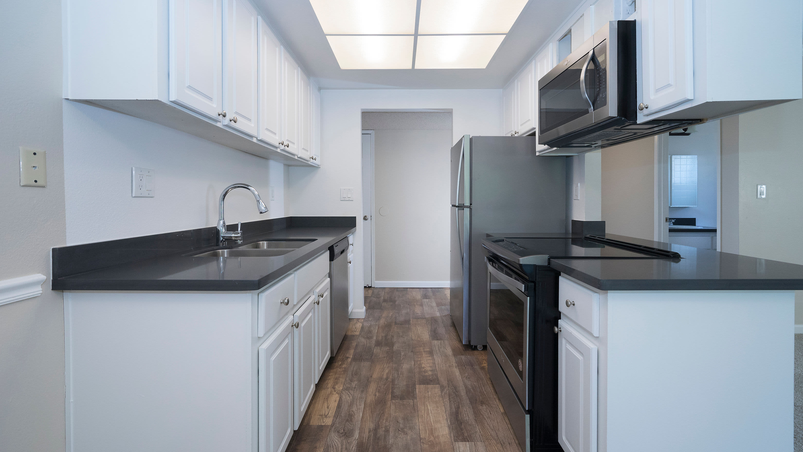 Enjoy luxury stainless-steel appliances at Valley Ridge Apartment Homes