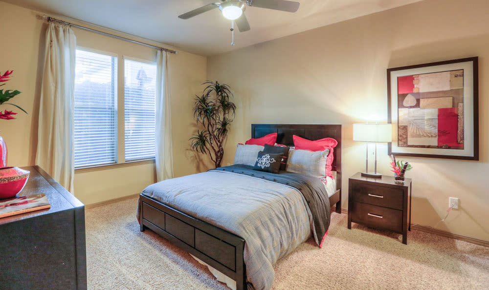 Guest bedroom at Discovery at Rowlett Creek