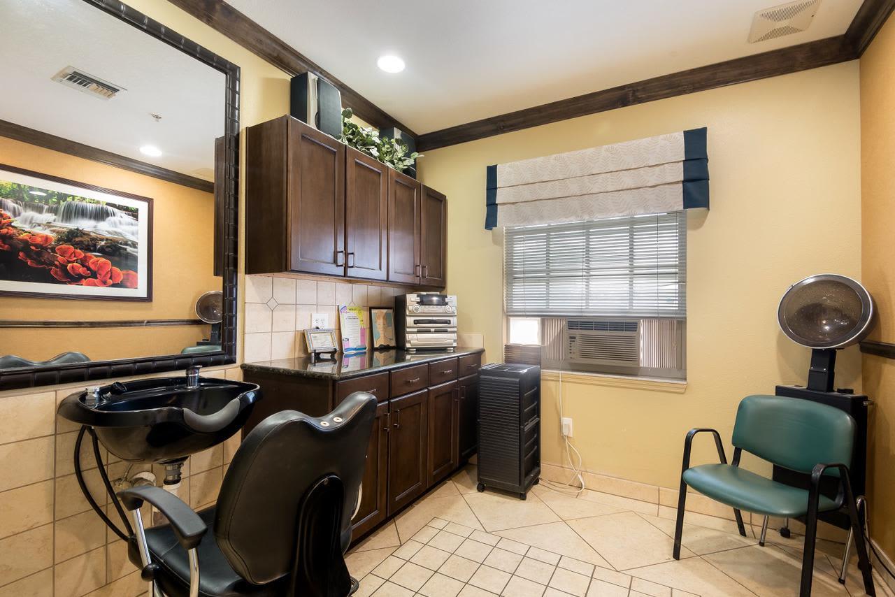 Spa & salon at Pacifica Senior Living Palm Beach in Greenacres, Florida