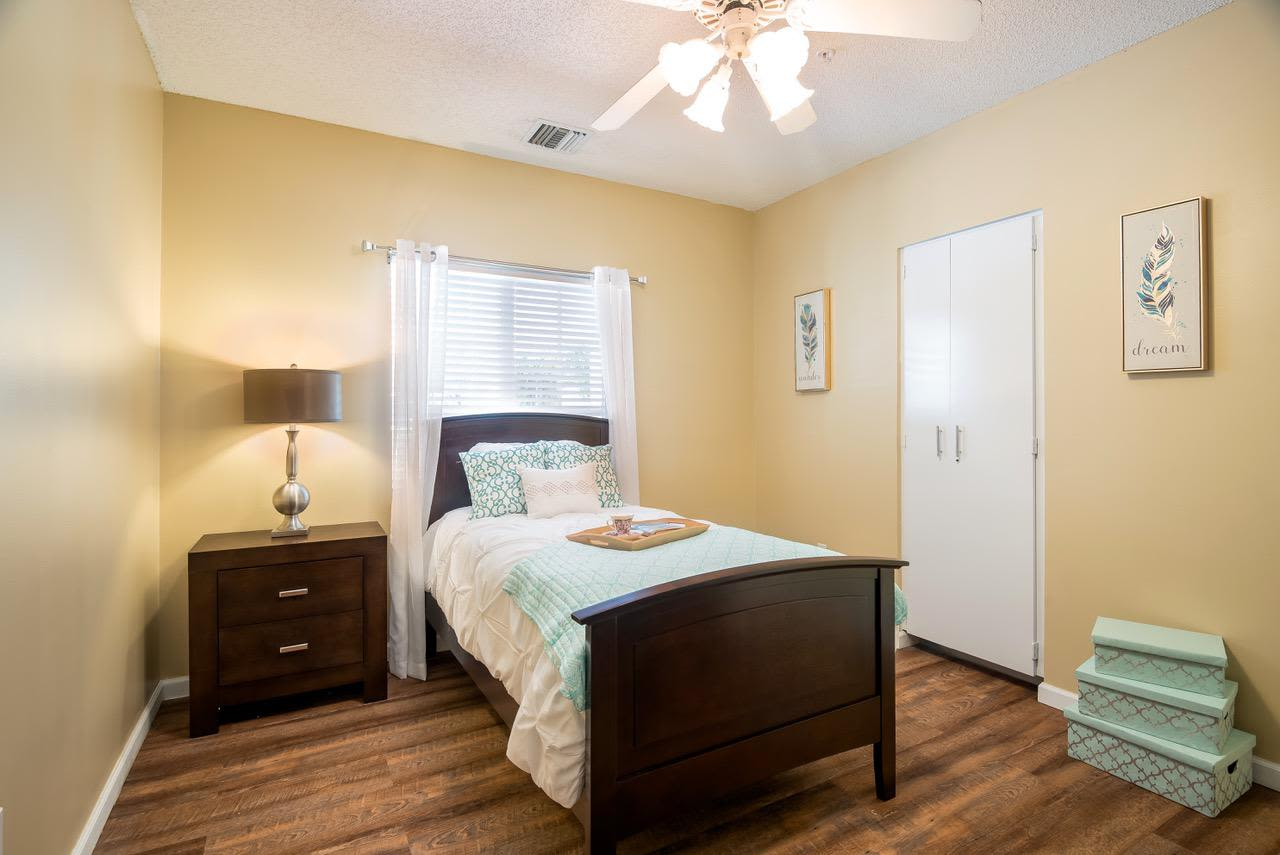 Bedroom at Pacifica Senior Living Palm Beach