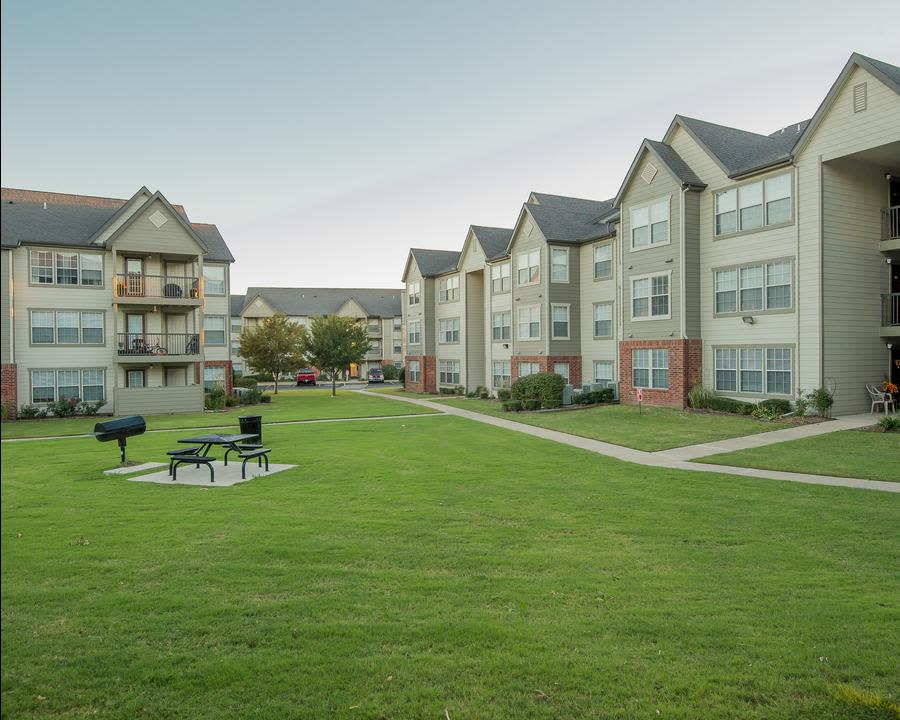 BBQ area at Owasso apartments