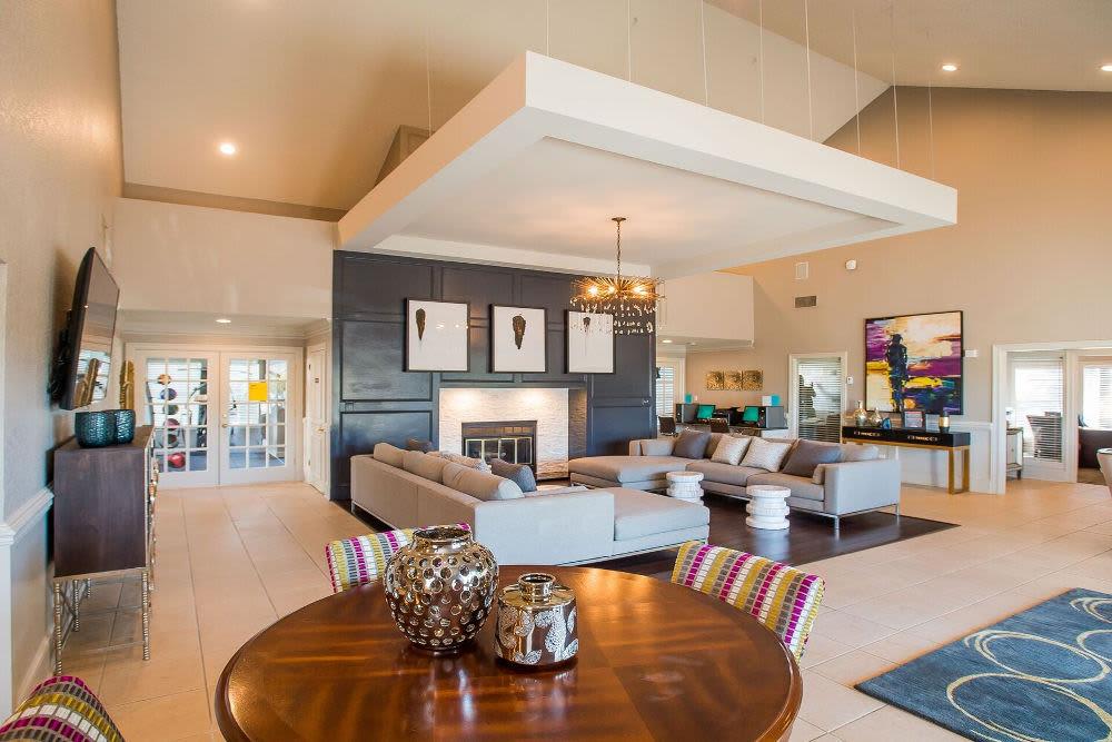 Unique living room at Cedar Glade Apts in Tulsa