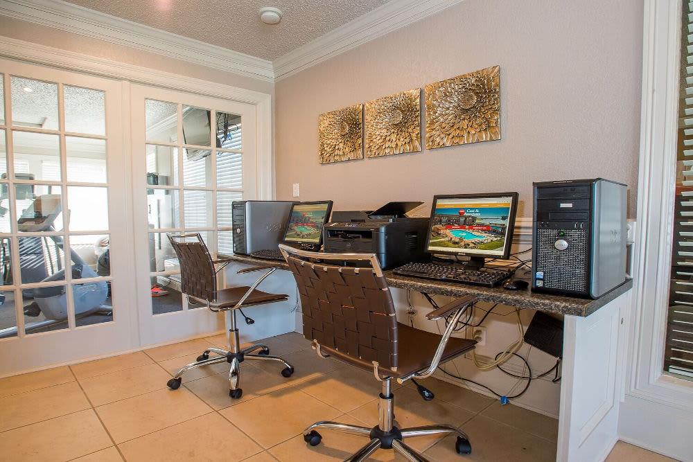 Modern computer lab at apartments in Tulsa, Oklahoma