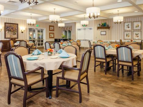 Dining Room at Robinwood Landing Alzheimer's Special Care Center in Lansing, Michigan