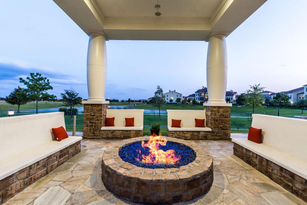 outdoor fire place at Marquis at the Reserve in Katy, TX