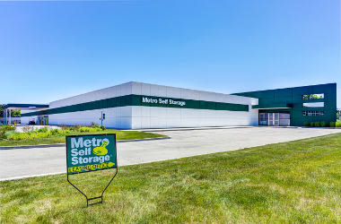 Metro Self Storage Deerfield Bannockburn-nearby