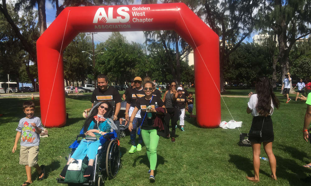 Hawaii ALS walk participance