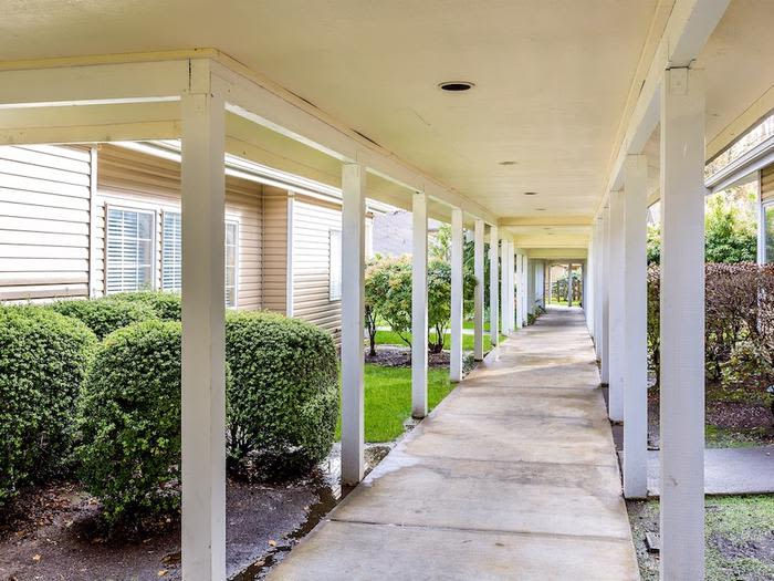 Take a walk through the gardens that Pacifica Senior Living Snohomish has