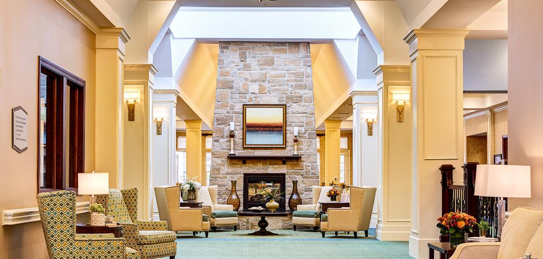 Lounge at Waltonwood at Ashburn in Ashburn, VA