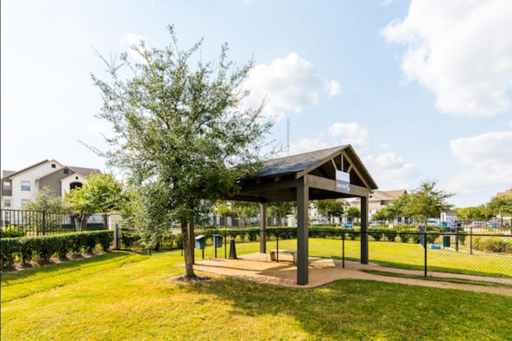 Courtyard at Marquis Grand Lakes in Richmond, TX