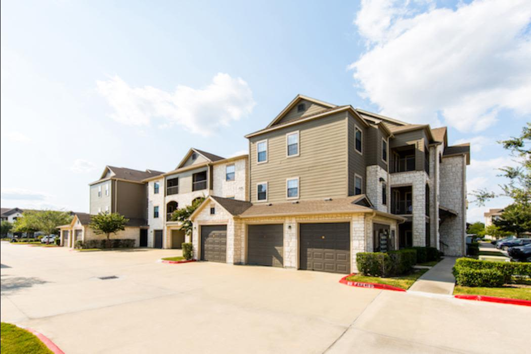Building at Marquis Grand Lakes in Richmond, TX