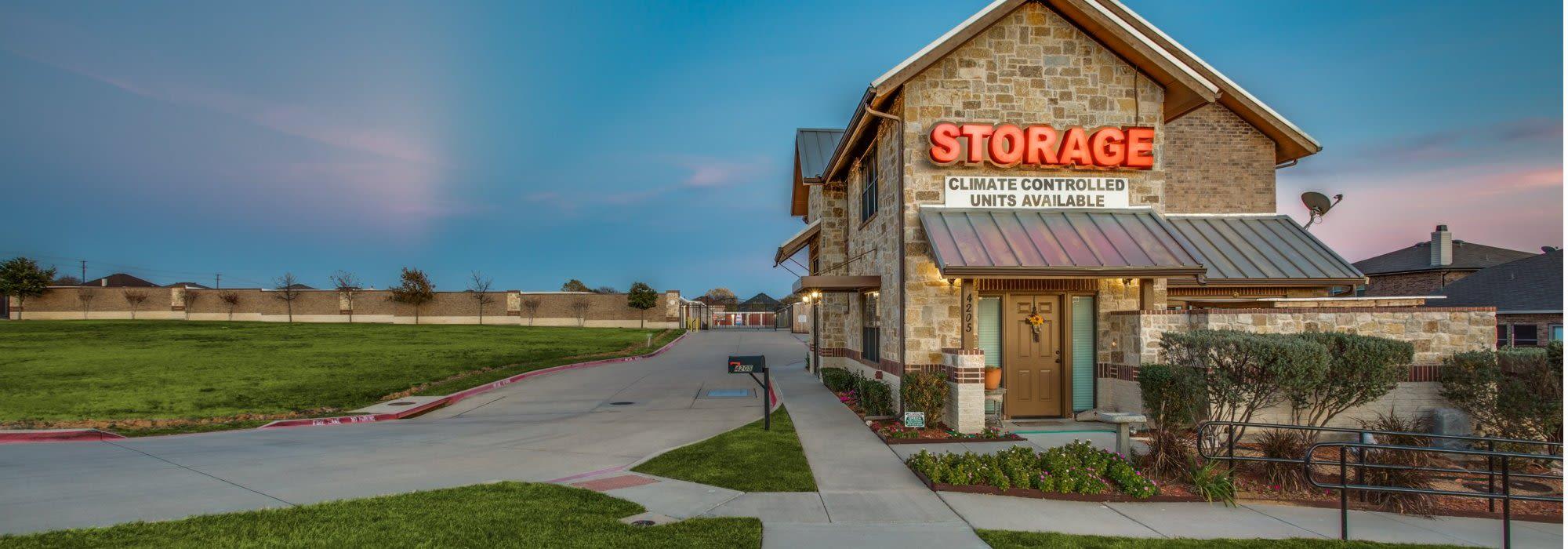 Self storage in Denton TX
