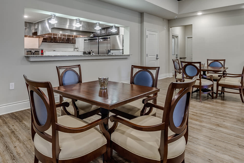 Senior living in Rowlett includes a dining area