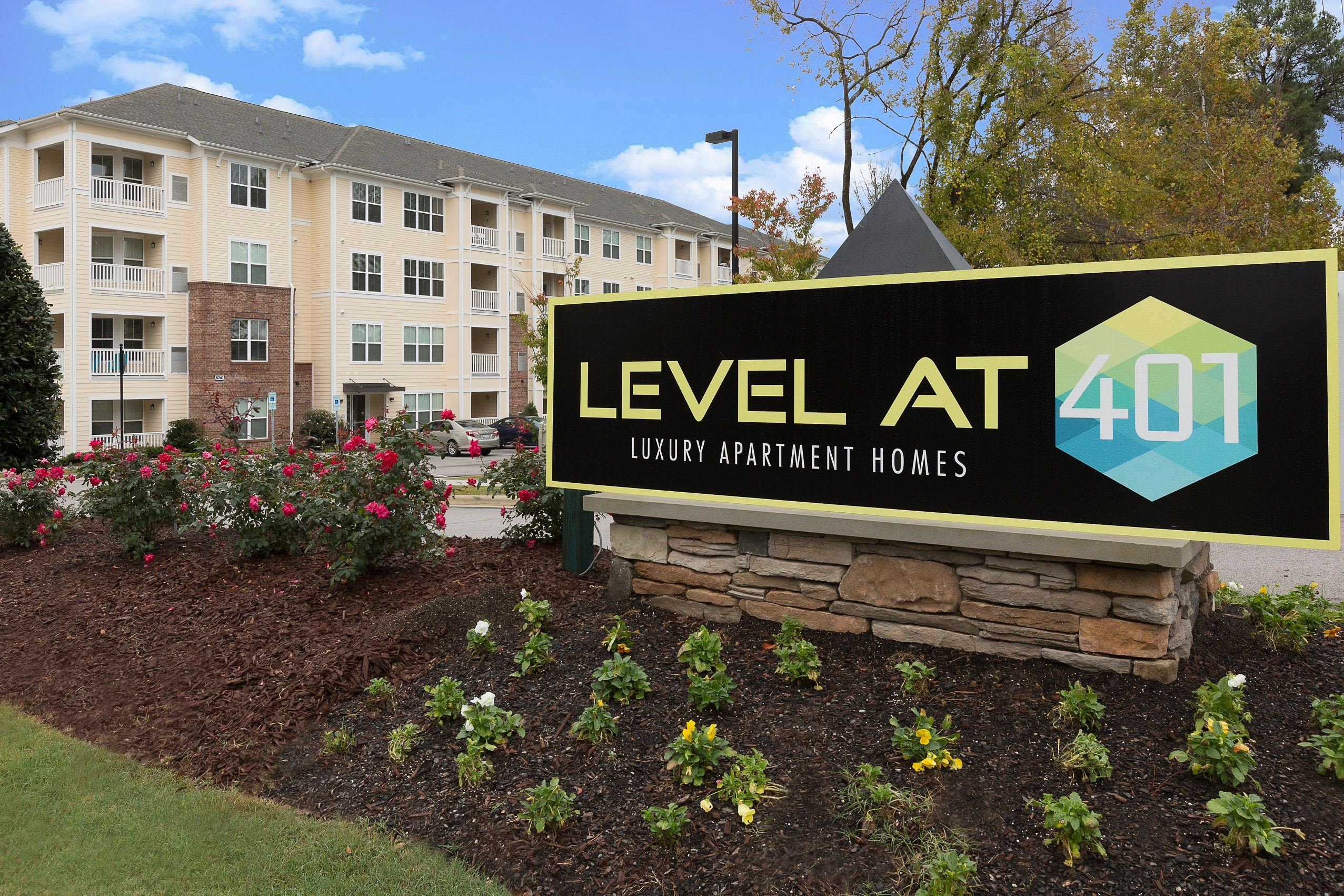 Level at 401 sign, outside of building