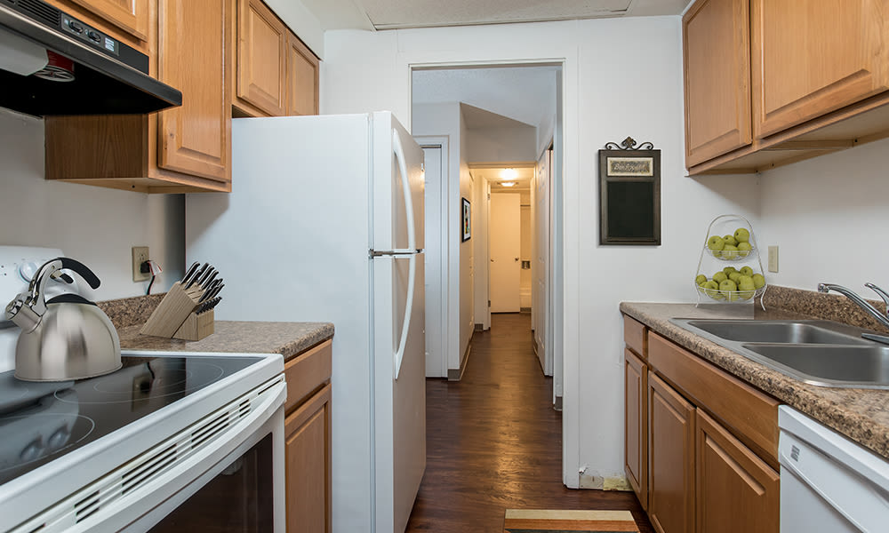 Full-equipped kitchen at Park Guilderland Apartments in Guilderland Center