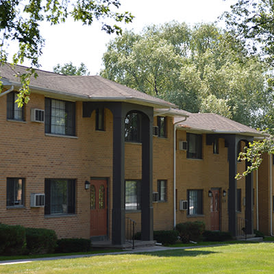 Exterior view at Creek Hill Apartments & White Oak Apartments in Webster, New York