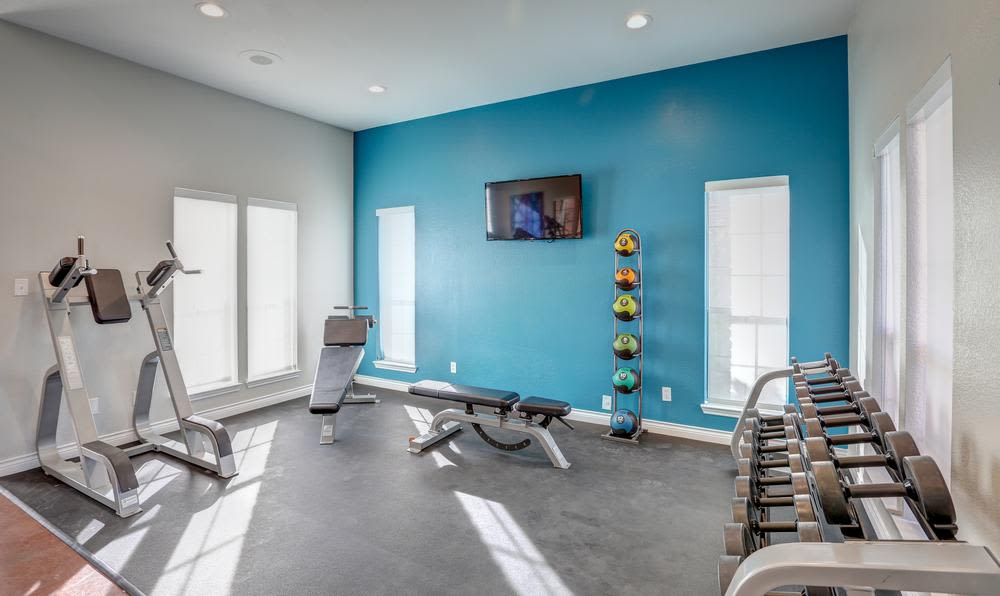 Modern and well-equipped fitness center in Sofi Westminster